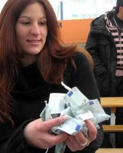 Россияне шокируют мир оставив на чай 15000евро - Zagrannik.org