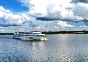 Из далека долго течет река Волга - Zagrannik.org
