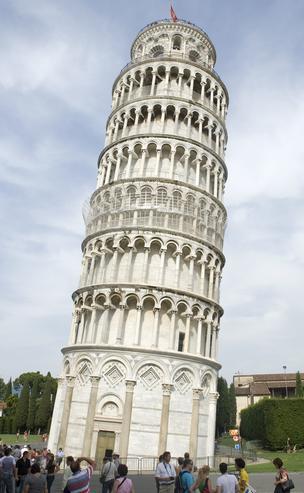 Падающая башня - Италия