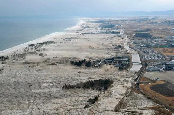 Волна цунами в Японии